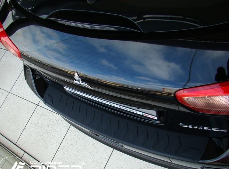 Nášlap kufru Mitsubishi Lancer Sportback X 10R